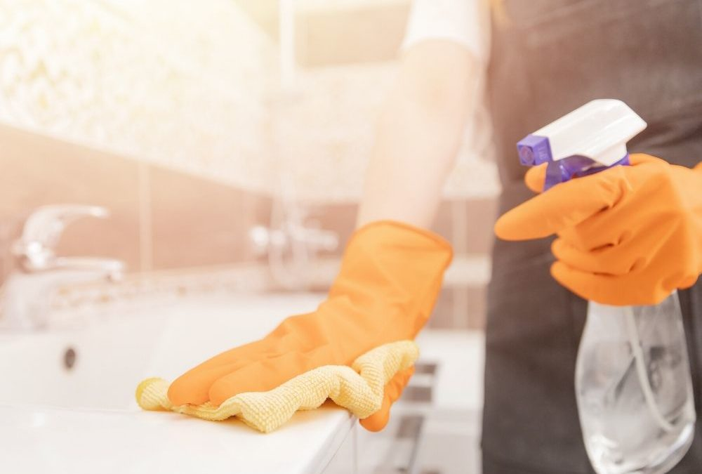 Best Natural Disinfectants for a Clean and Safe Home